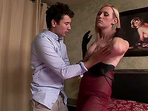 Lucia Matthews the transsexual whore gets assfucked