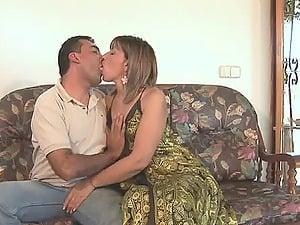 Mature hunk gets lucky with an alluring chick who is ready for a cock