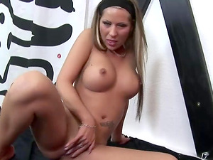 Hot Linda Slim tied up before she plays herself