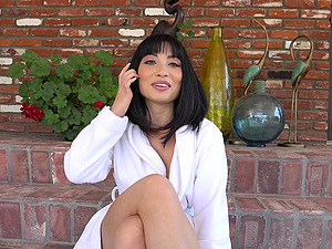Rina Ellis is ready for an alluring sexual experience