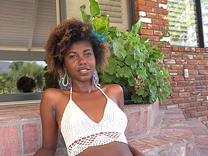 Daizy Cooper is a hot chocolate babe who cannot resist a white boner
