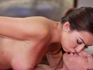 Melissa Moore gives a masage to a guy before being shagged