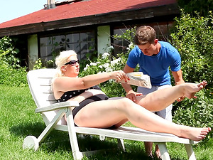 Monika Blond is a mature blonde woman who craves a pussy licking game