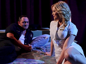Stunning nurse Alexis Texas is interested in an erected cock