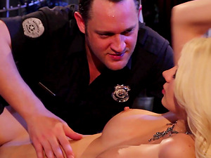 Gorgeous blonde Jazy Berlin offers her body to a lucky policeman