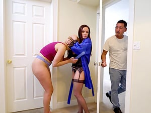 Diamond Foxxx and Kendall Kross don't want to be bothered during sex