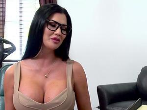 Mature slut Jasmine Jae fucked hard by a nasty hunk