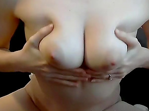 She vibrates her pussy and gets mouth fucked