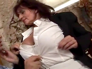 British Mature Squirt