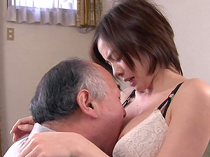 Drilling the hairy pussy of Aimi Yoshikawa after tonguing it