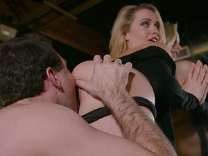 Blondie Mia Malkova licks a dick clean and has her pussy boinked