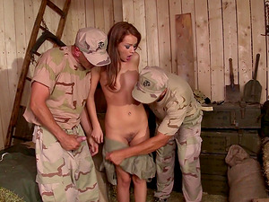 Two soldiers drilling the coochie of salacious Sophie Lynx