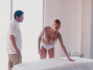 Lovely Skyla Novea likes to massage a dick with her wet pussy