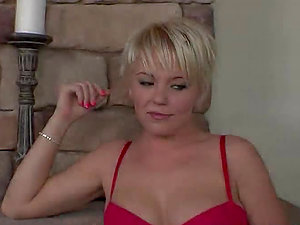 Missy Monroe the nice blonde chick gets her arse and snatch banged