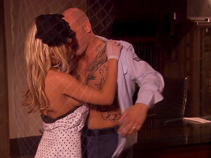 Bald guy gets to fuck holly Wellin until she reaches an orgasm