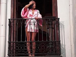 Gigi Love Squirts On Balcony