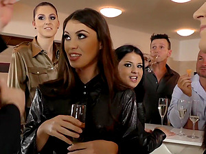 Bella Bereta and her friends like to play with more cocks at once