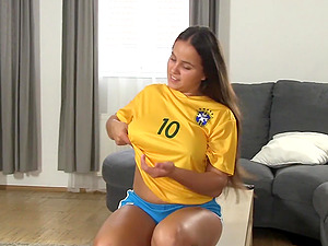 Nothing satisfies Olivia Nice like rubbing her shaved pussy