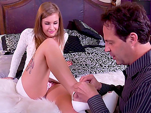 Skilled babe April Brookes rides a cock like there is no tomorrow