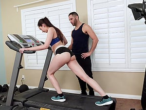 Workout Porn Videos Kyra Rose Gets To Fuck With Her Trainer After The Workout