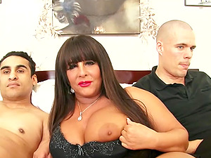 Fat Mama Cassidy Exe Fucking Two Young Cocks
