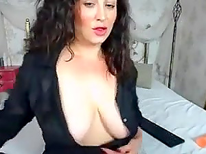 Hot milf teasing us with her ass and seems to enjoy it