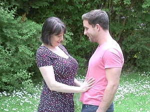 Outdoor pounding with experienced lady Tigger taking care of his cock