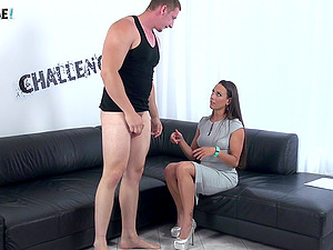 New guy tries to handle experienced Mea Melone on her couch