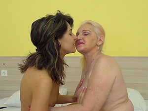 MaireAnn and Sharisa are a horny mature lesbian couple in heat
