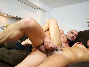 Jogging wifey Dunia Montenegro loves to exercise on a dick