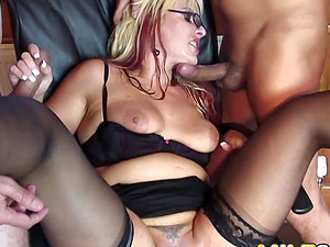 MILF Crystal Law gets anal ramming