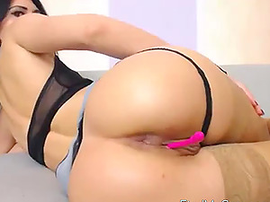 Hot romanian cam-slut fingers her ass