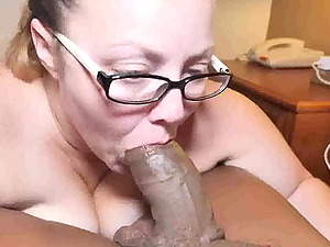 Pawg milf with big body gets filled up with cum by bbc