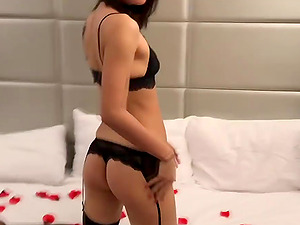 Hot and sexy Asian waits for boyfriend and gives a awesome blowjob