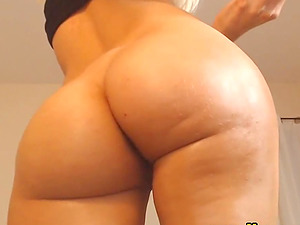 Beautiful Skinny Blonde Show Her Pussy On Cam