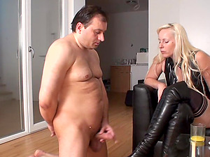 Dirty wife face sitting on hubby and squirt