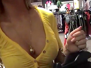 Sexy Couple Has Sex in Public Dressing Room