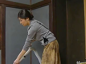 Sexy Japanese Housewife gets fucked hard on the floor