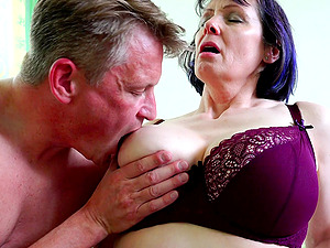 Busty short haired amateur mature MILF Tigger sucks and rides dick