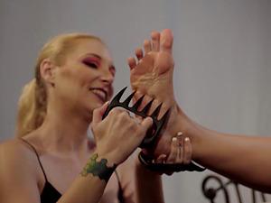 Hardcore lesbische slave Porn