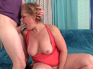 GILF Kelly Leigh Gets Rammed Doggy Style