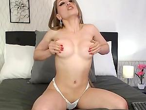 Horny girlfriend fingerfucking herself live on webcam