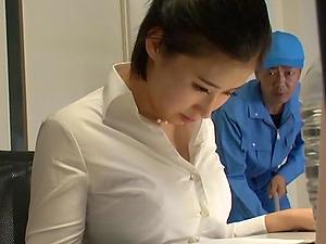 Japanese secretary Imanaga Sana stayed late in the office to fuck
