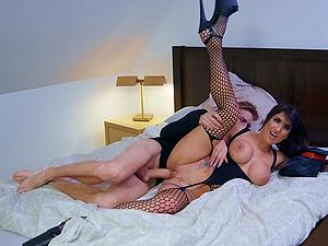 Hungry Latina MILf in stockings Princess Jas deepthroats a huge dong