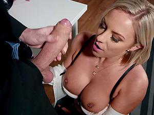 Busty blonde vixen Lilli Vanilli gets cum on big tits in a bra