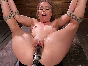 Blonde with a pierced tongue Lilly Lit abuses herself with toys