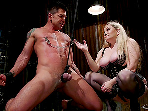 Chubby mistress in leather Aiden Starr sucks her slave's dick