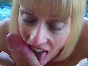 She is one hot amateur granny who loves to fuck and suck.