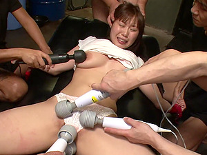 Japanese brunette with big tits, Eri Makino lik
