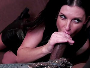 There is nothing better for seductive lady India Summer than a perfect threesome